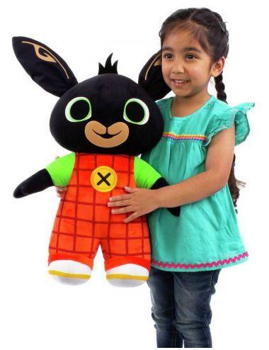 Dziecko trzyma królika Bing Jumbo 50cm