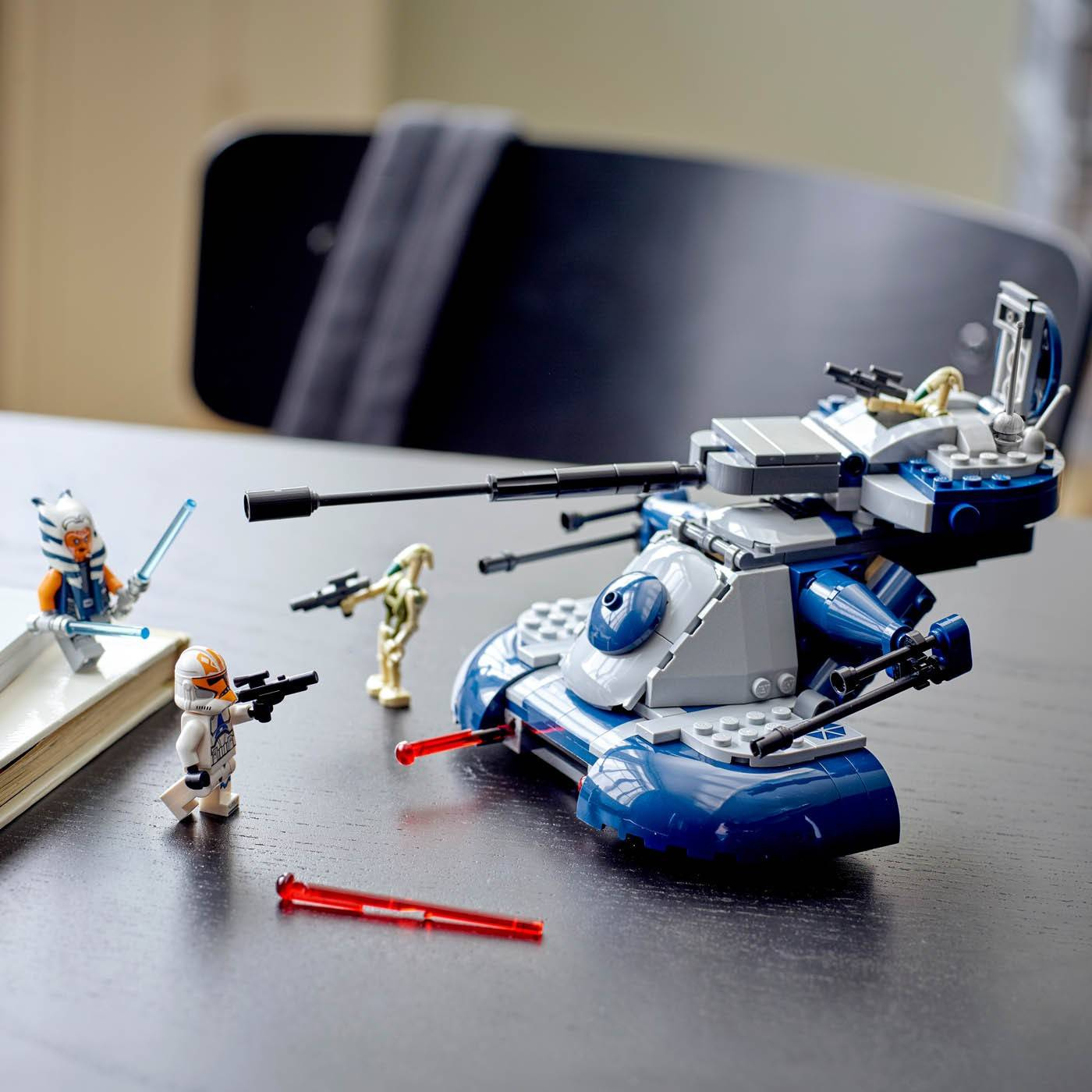 LEGO Star Wars Czołg opancerzony szturmowy AAT 75283