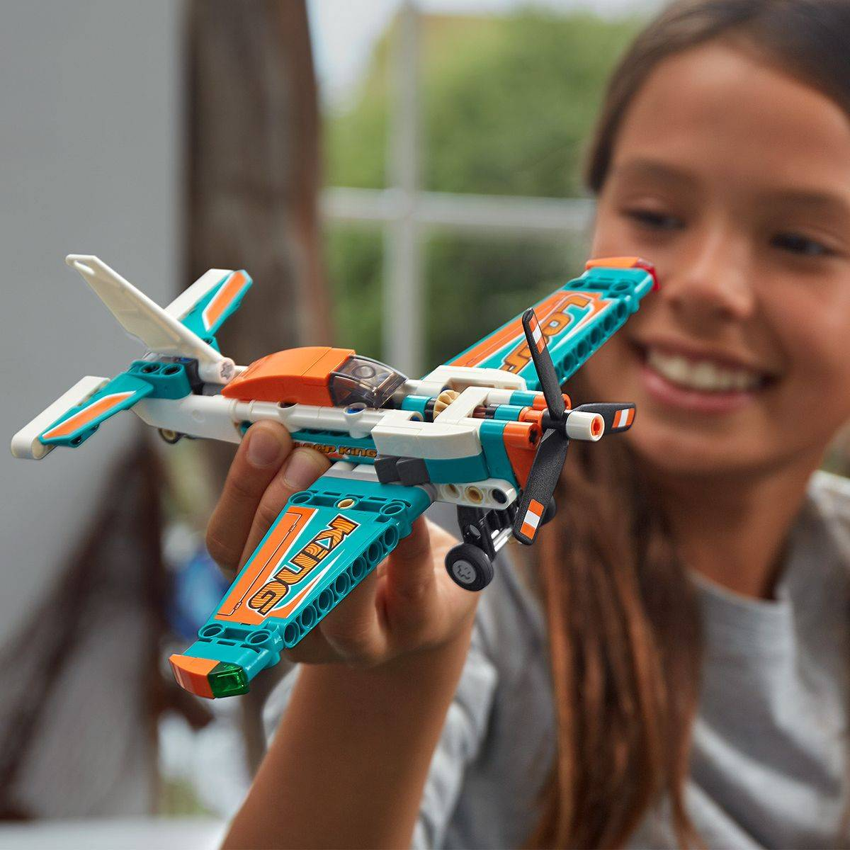LEGO Technic Samolot wyścigowy model 42117