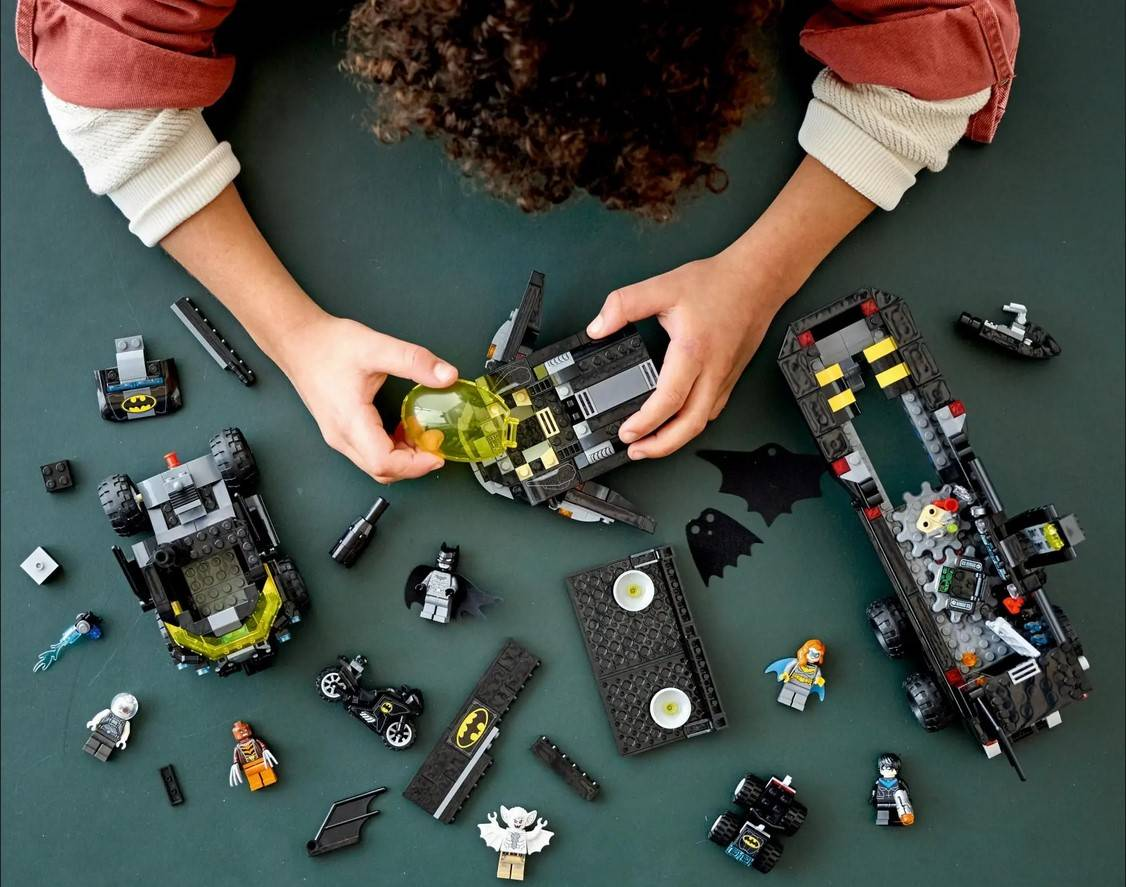 LEGO Batman Mobilna Baza Batmana 76160